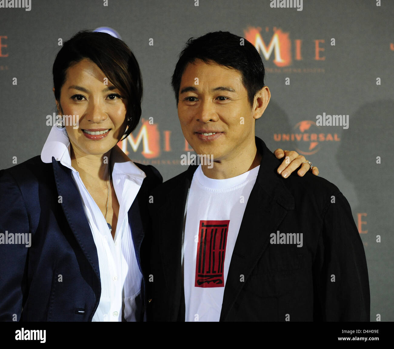 Malaysian Actress Michelle Yeoh And Chinese Actor Jet Li Pose At The Photocall For Their Film The Mummy Tomb Of The Dragon Emperor In Berlin Germany 23 July 2008 The Third Part