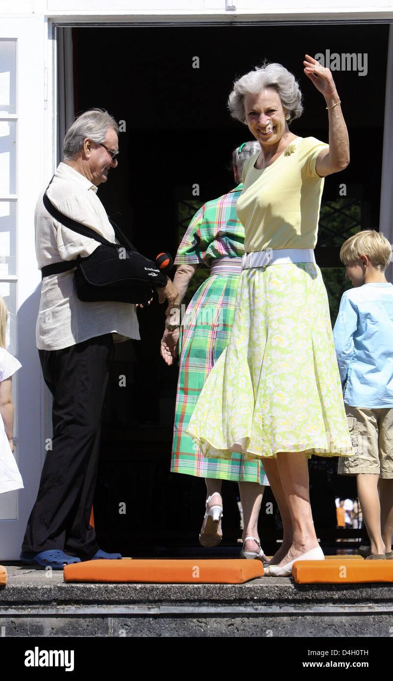 Danish Princess Benedikte is pictured outside the castle in Graasten, Denmark, 26 July 2008. The Danish royal family - Stock Image