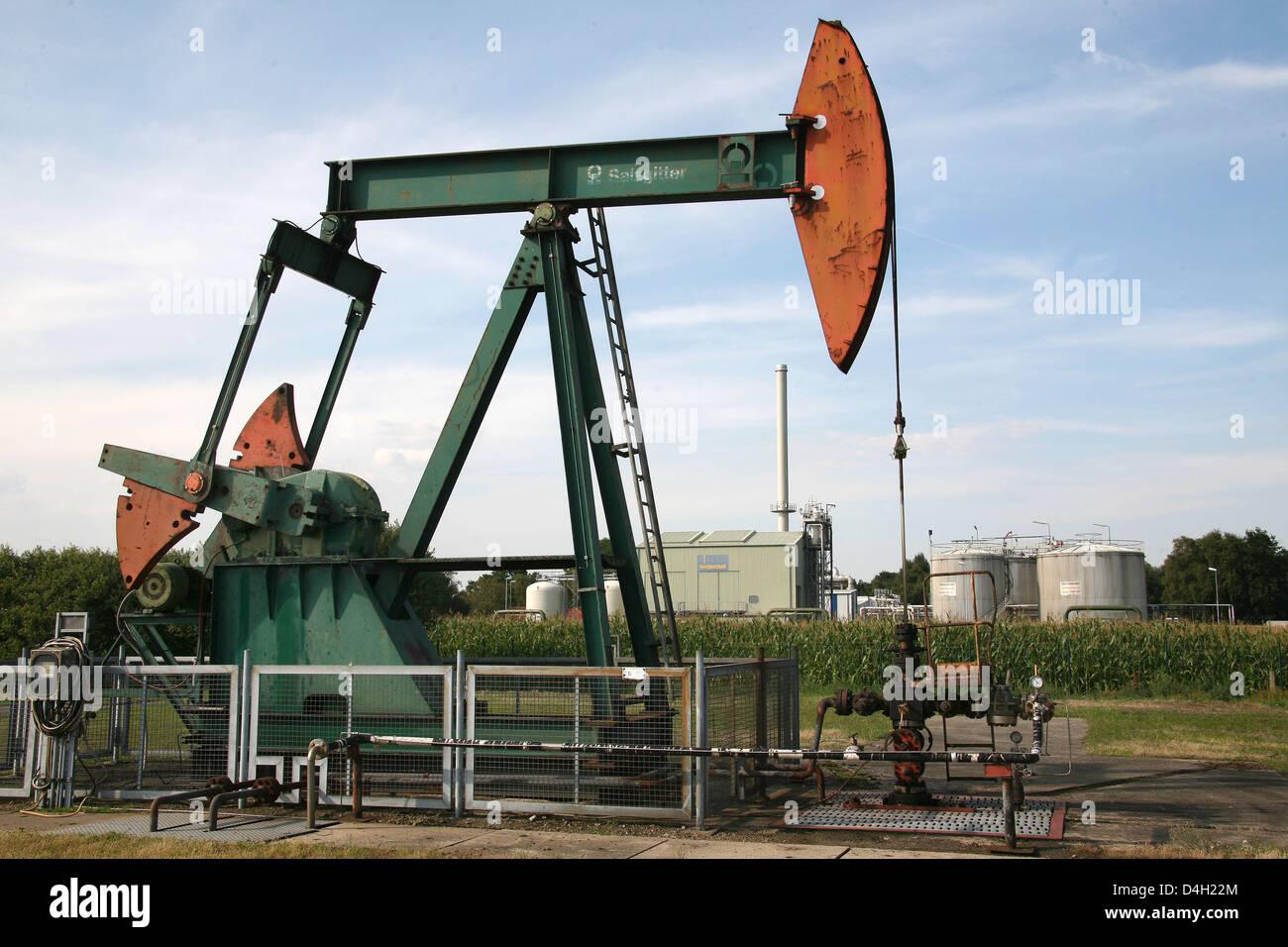 A pumpjack-type oil pump seen near Emlichheim, County Bentheim, Germany, 28 July 2008. Since 60 years Kassel-based Stock Photo