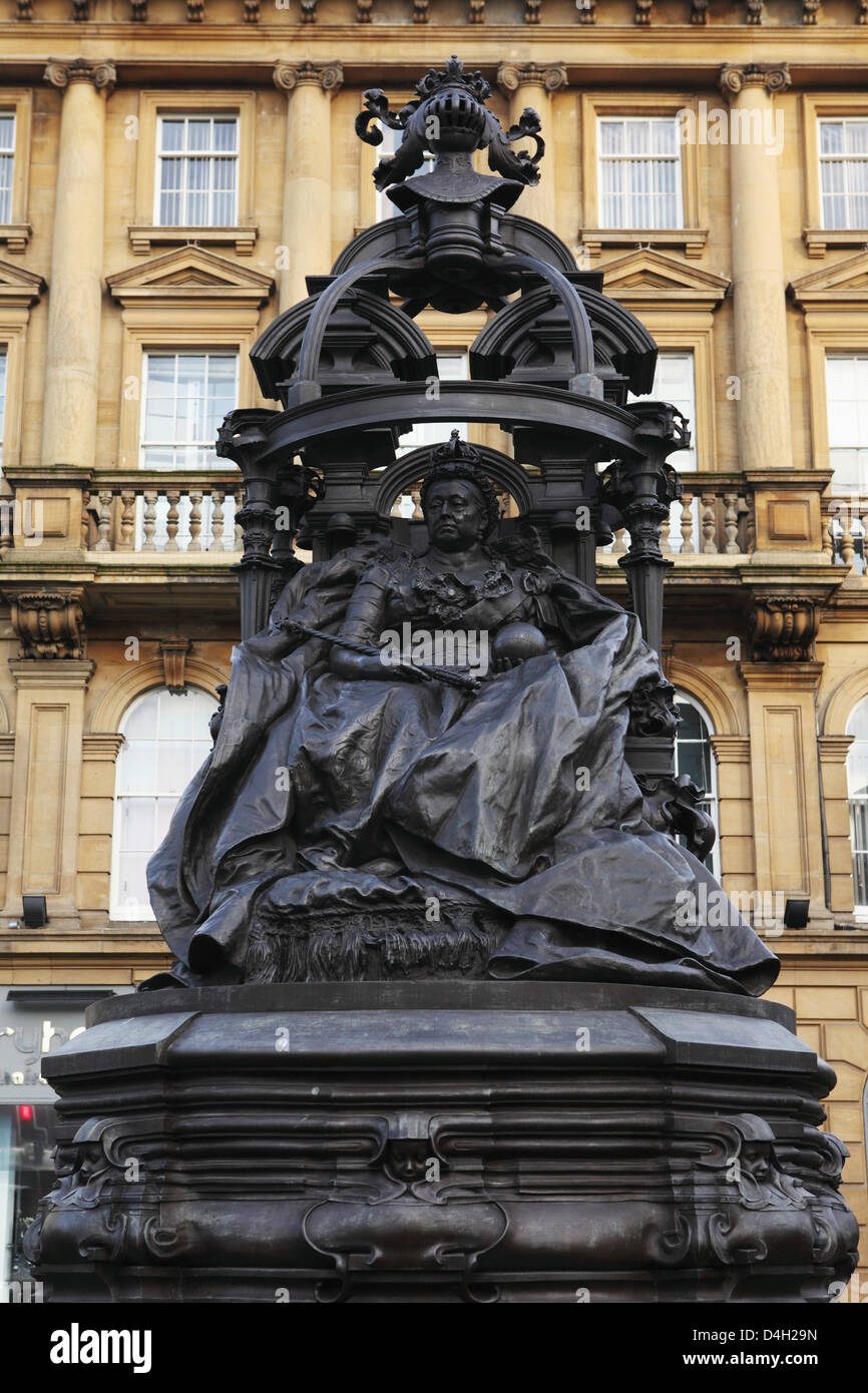 Statue of Queen Victoria, Newcastle-upon-Tyne, Tyne and Wear, England, UK Stock Photo