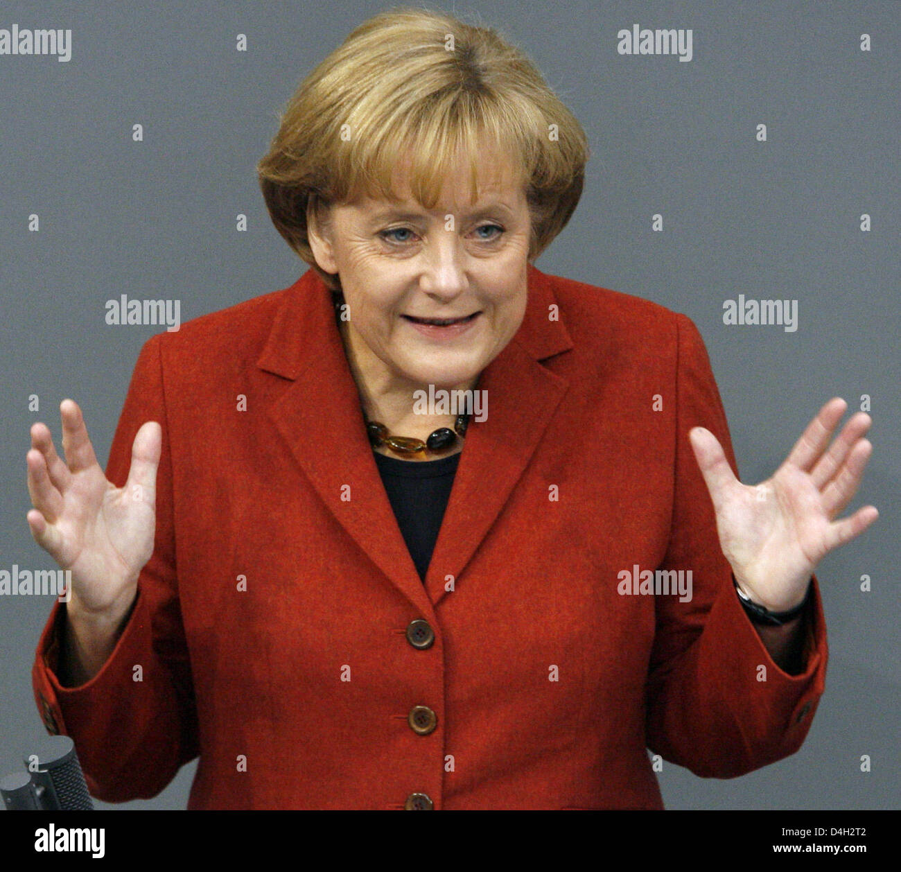 German Chancellor Angela Merkel gives a government declaration on the global financial crisis at the Bundestag in Berlin, Germany, 15 October 2008. The German parliament debates the rescue plan for banks and the increase of child benefits. Photo: WOLFGANG KUMM Stock Photo