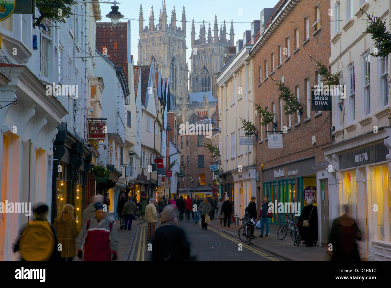 Colliergate and Minster at Christmas, York, Yorkshire, England, UK - Stock Image
