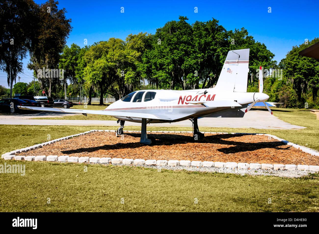 A Cirrus VK-30 plane outside the Sun n Fun Florida Air Museum at Lakeland - Stock Image