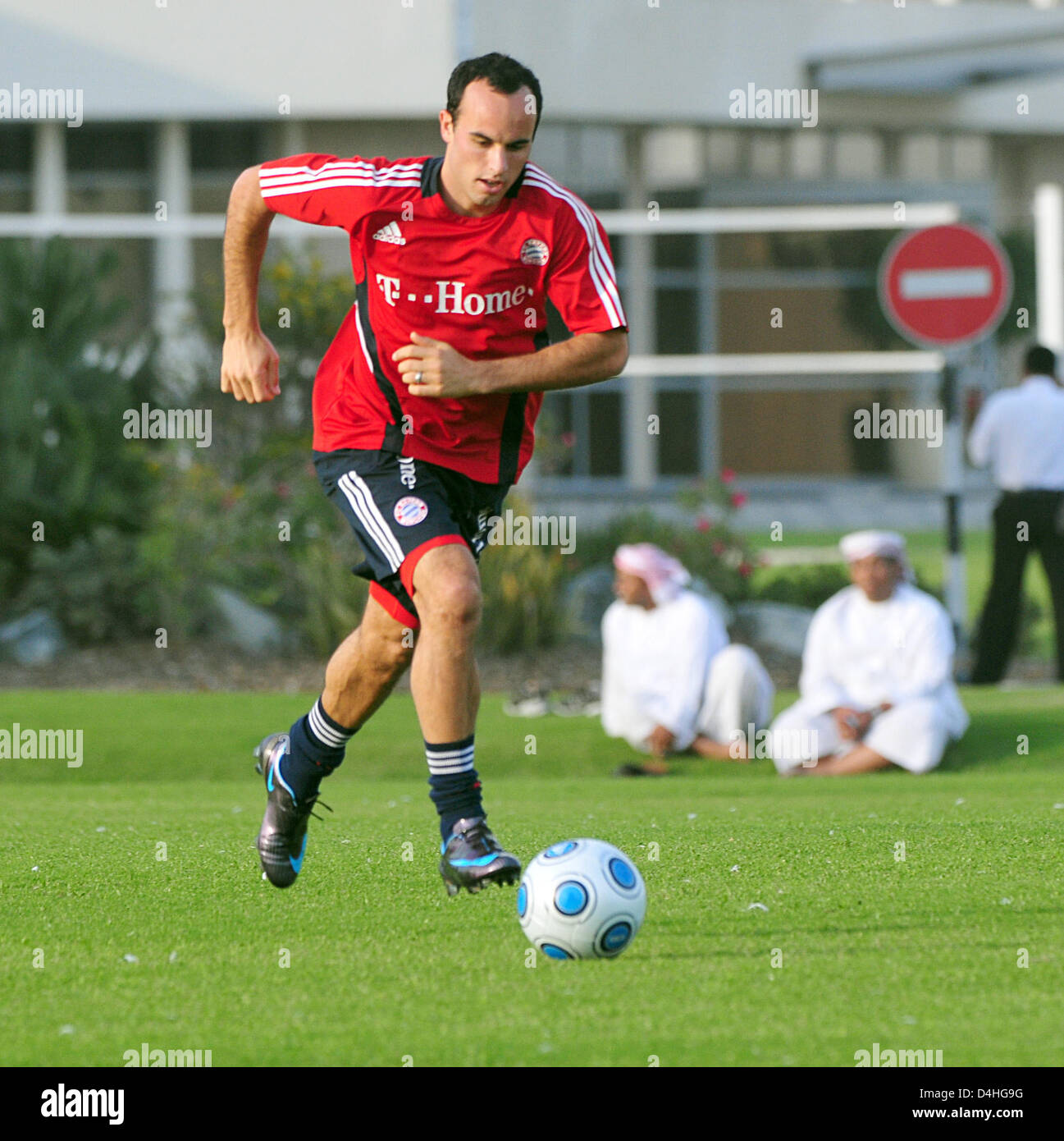 sports shoes 764dd 5bcfc Landon Donovan United In Action Stock Photos & Landon ...