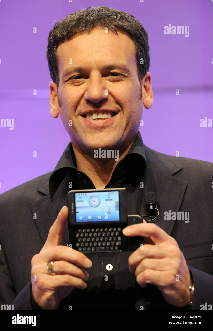 Chairman of German mobile network operator T-Mobile, Hamid Akhavan, introduces the new Google mobile phone G1 in - Stock Image