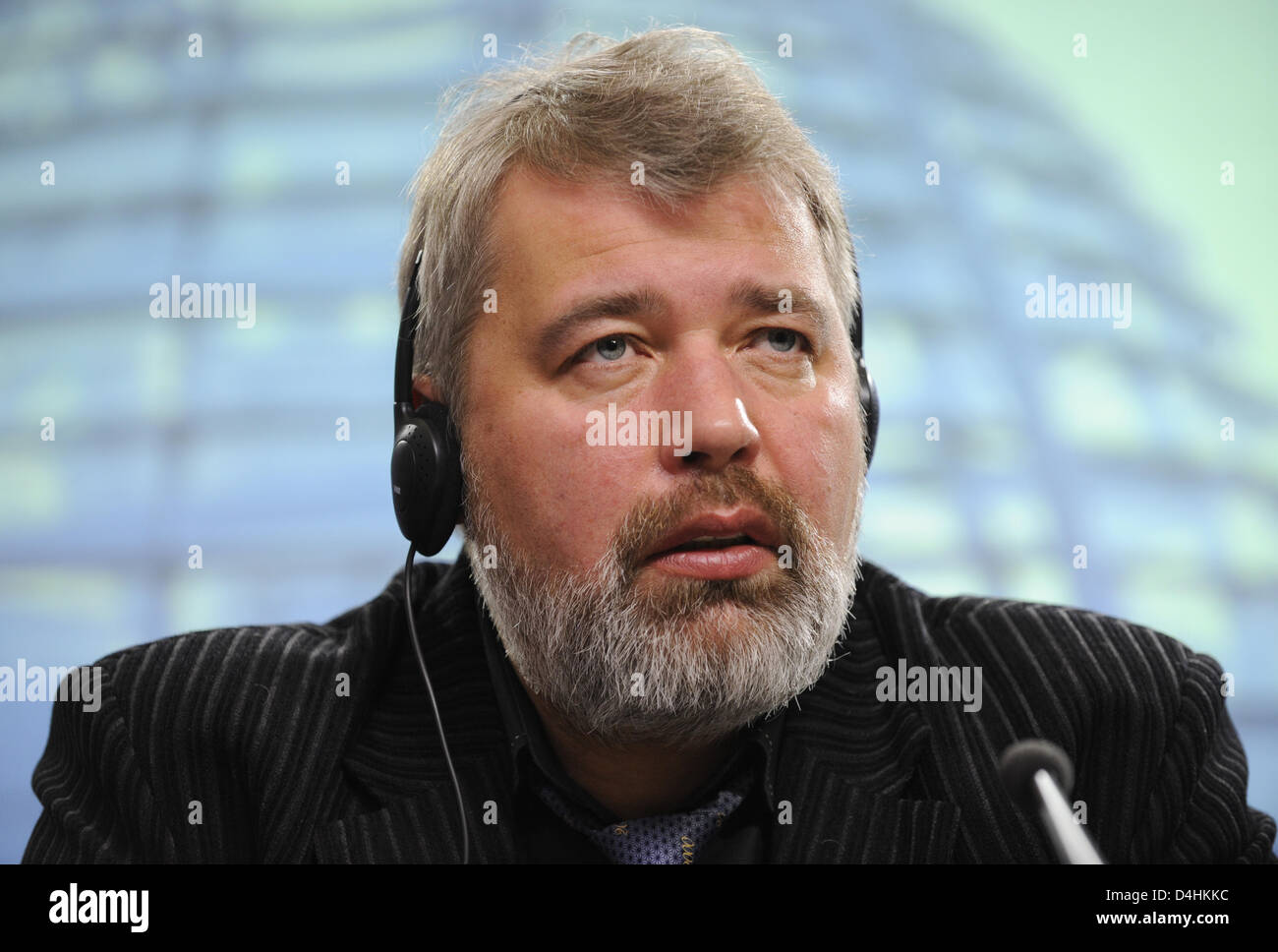 Dmitry Muratov, chief editor of Russian newspaper ?Novaya Gazeta?, gives information about current events in Moscow - Stock Image