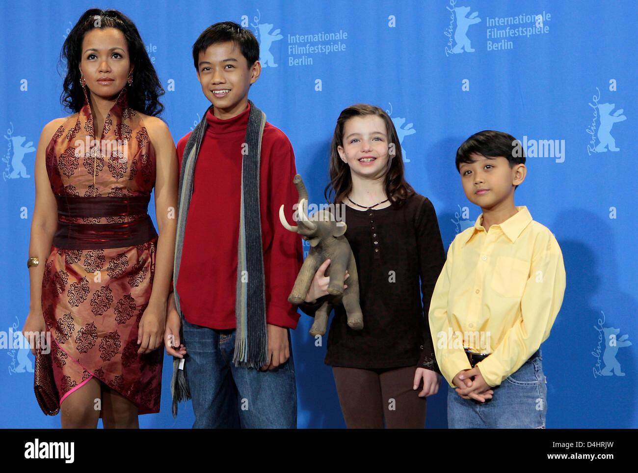 Madiha Iftikhar,Mikalah Gordon Adult clips Debi Mazar,Beverly Todd