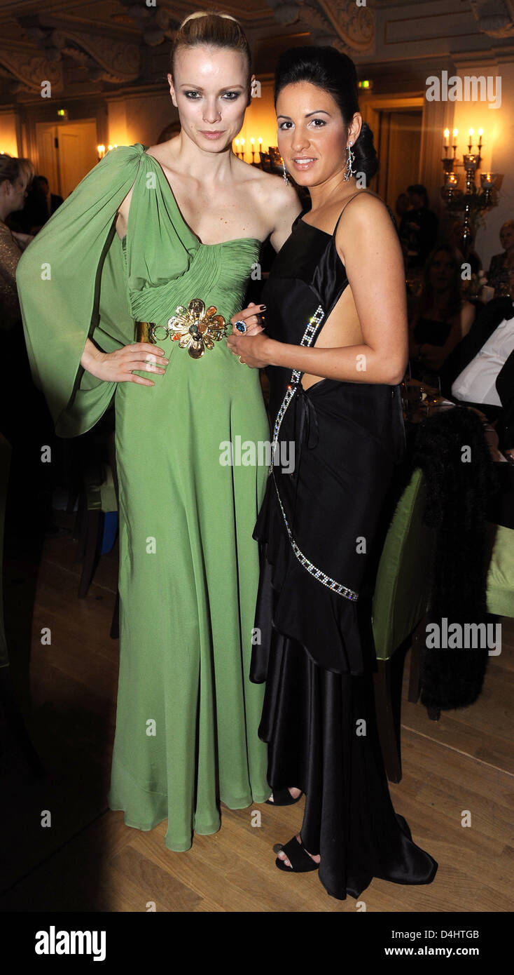 German model Franziska Knuppe (L) and producer Minu Barati-Fischer pictured at the ?Cinema for Peace? gala at the - Stock Image