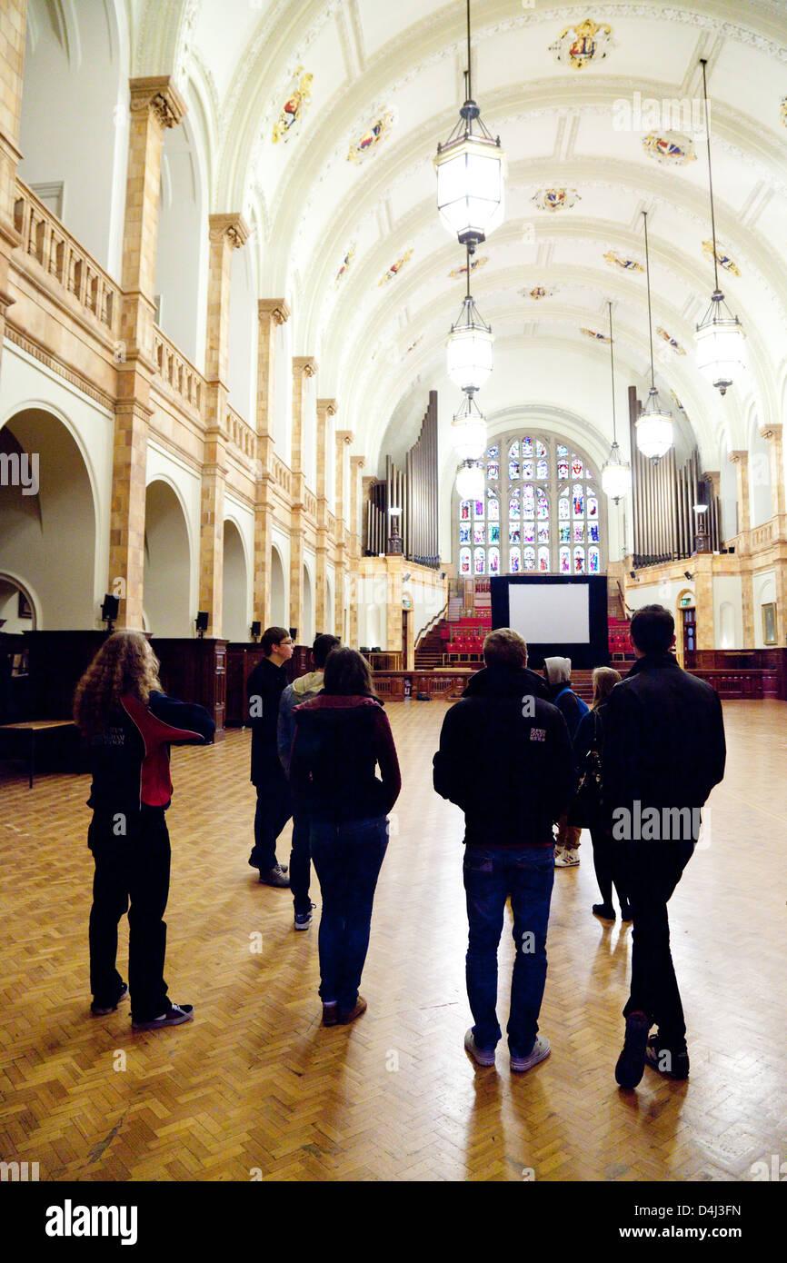 People in the Great Hall in the Aston Webb building, Edgbaston campus, University of Birmingham, UK - Stock Image