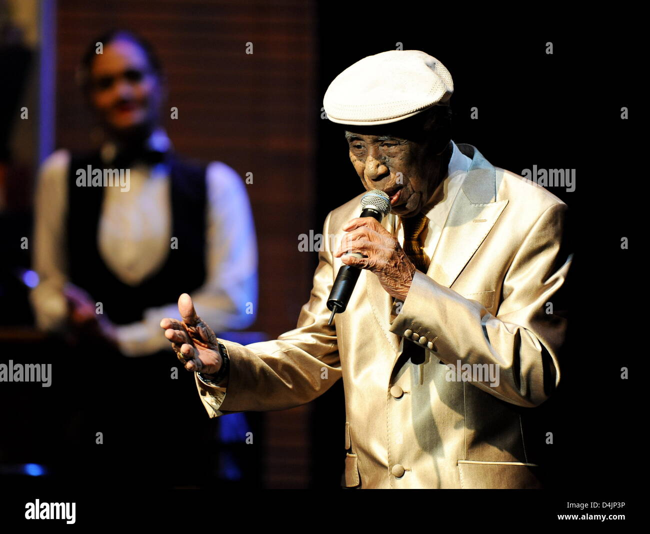 Singer Reynaldo Creagh performs at the music show ?The Bar at Buena Vista? at Prinzregententheater in Munich, Germany, - Stock Image