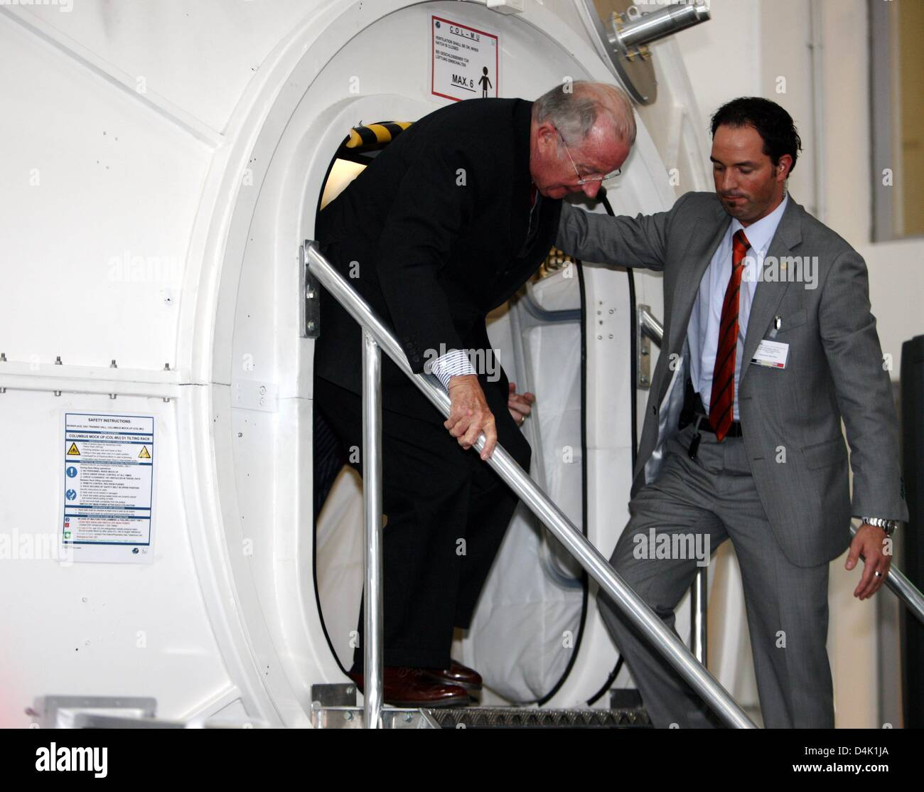 Belgian King Albert leaves a training module at the European Astronaut Centre of the ESA in Cologne, Germany, 19 - Stock Image