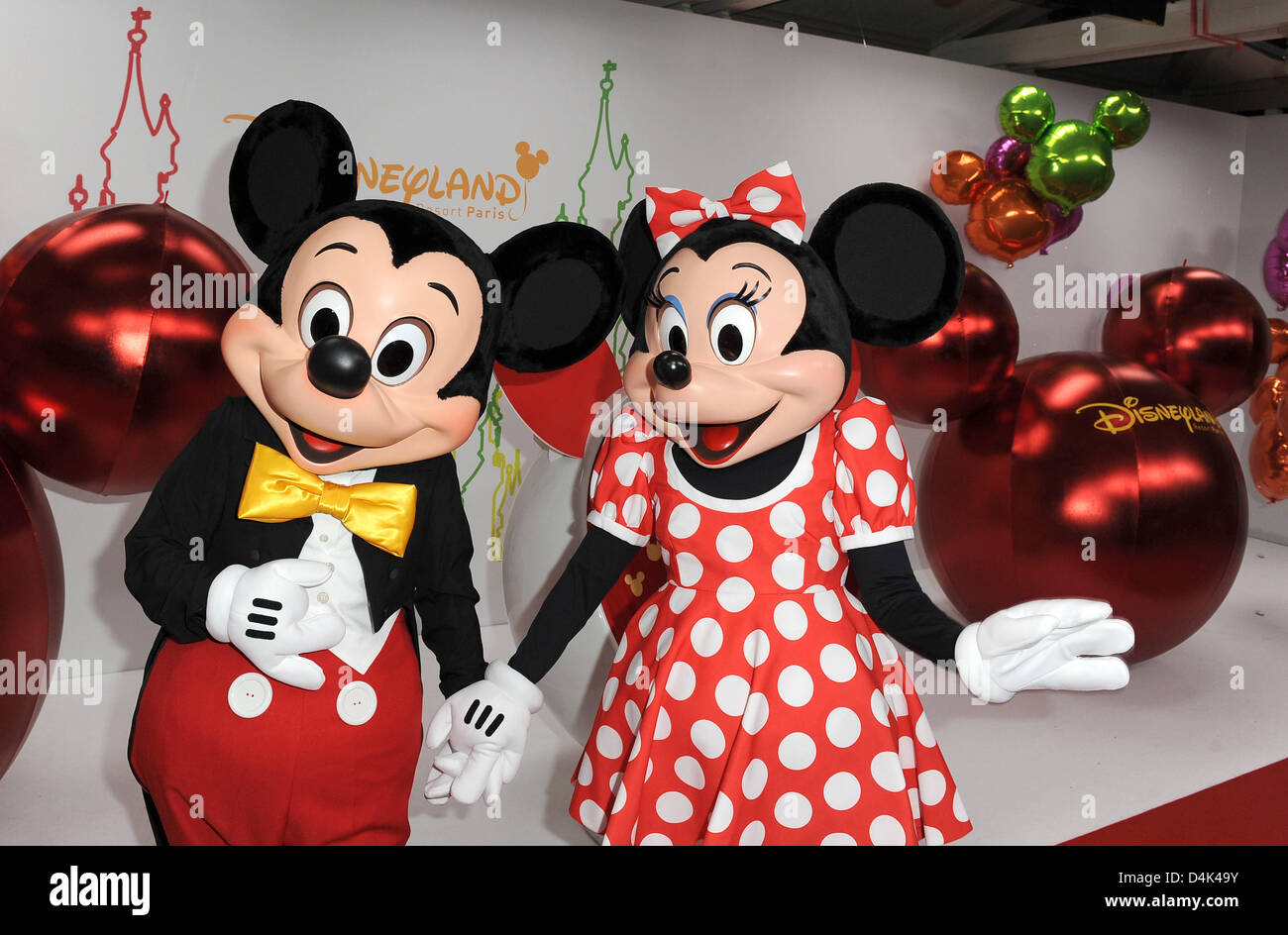 Mickey und Minnie Maus arrive at the premiere of the new Disney show ?Mickeys Magical Party? at Disneyland Resort Stock Photo