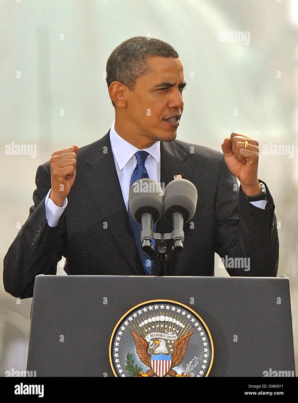 U.S. President Barack Obama delivers a speech in Prague, Czech Republic, 05 April 2009. In a speech Mr Obama again Stock Photo