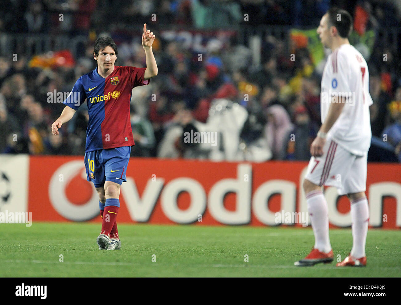 Barcelona S Lionel Messi L Cheers After His Goal To 1 0 While Stock Photo Alamy