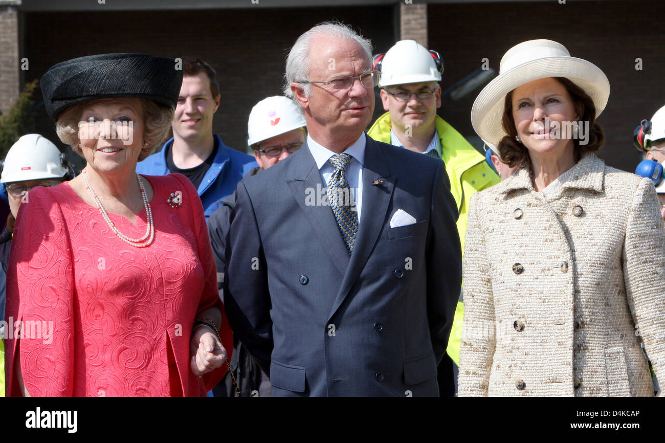 (L-R) Queen Beatrix of the Netherlands, King Carl XVI Gustaf of Sweden, and Queen Silvia of Sweden (R) visit BIO - Stock Image