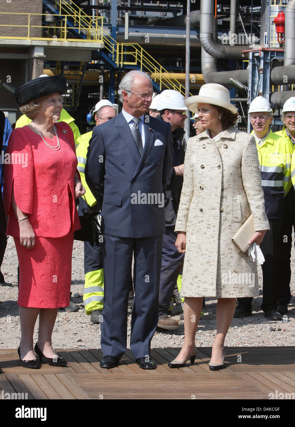 (L-R) Queen Beatrix of the Netherlands, King Carl XVI Gustaf of Sweden and Queen Silvia of Sweden visit BIO MCN, - Stock Image