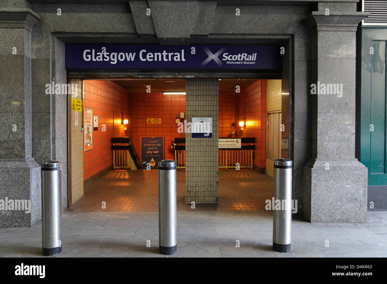 Pedestrian entrance to Glasgow Central Low Level Platforms, Scotland, UK - Stock Image