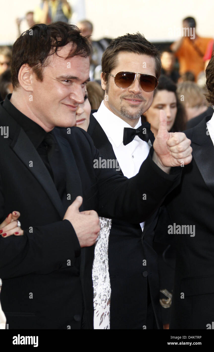 e3fadbd93d Director Quentin Tarantino (L) and actor Brad Pitt arrive at the world  premiere of the film  Inglorious Basterds  at the  Palais des Festivals   during the ...