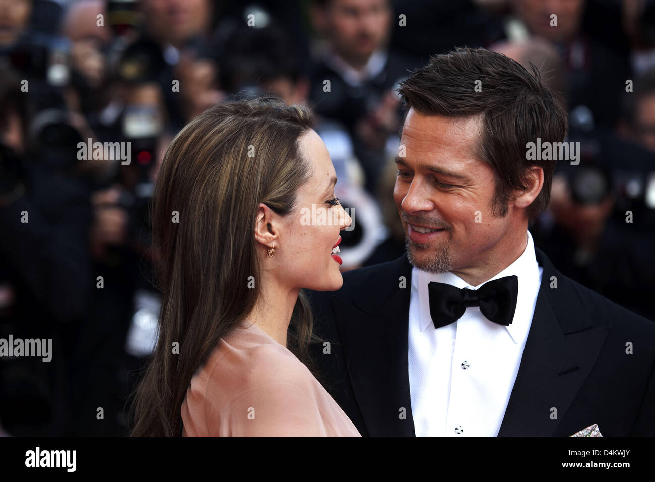 Brad Pitt and Angelina Jolie arrive for the world premiere of the film ?Inglorious Basterds? at the 62nd Cannes Stock Photo