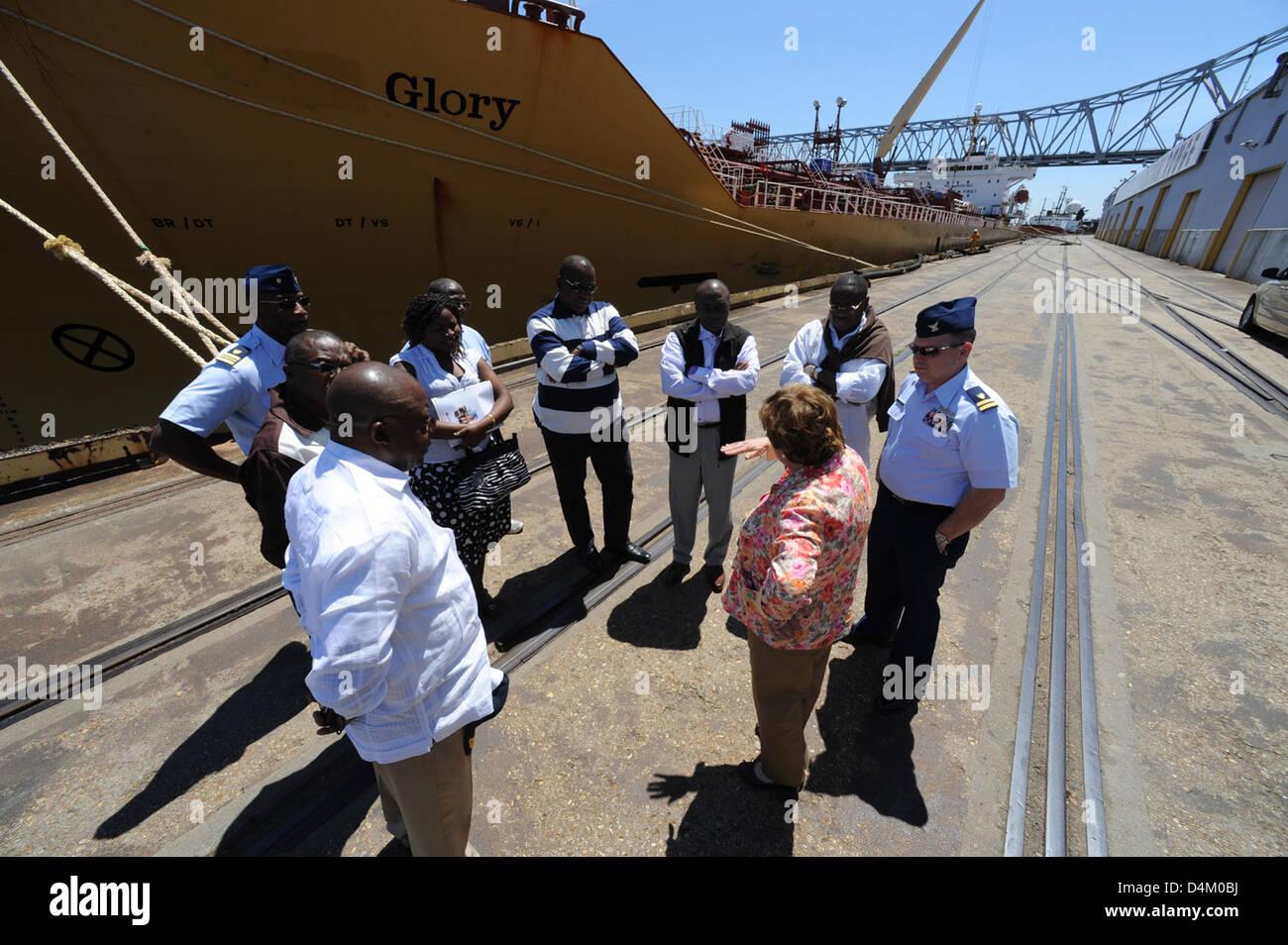 110413-G-XV958-203 Cameroon delegates visit MSU Baton Rouge Stock Photo