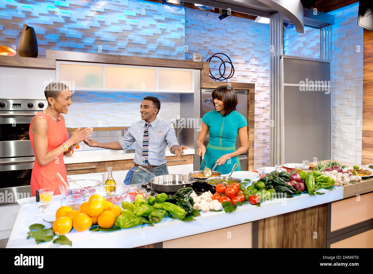 US First Lady Michelle Obama with Good Morning America anchor Robin Roberts and chef Marcus Samuelsson participate - Stock Image