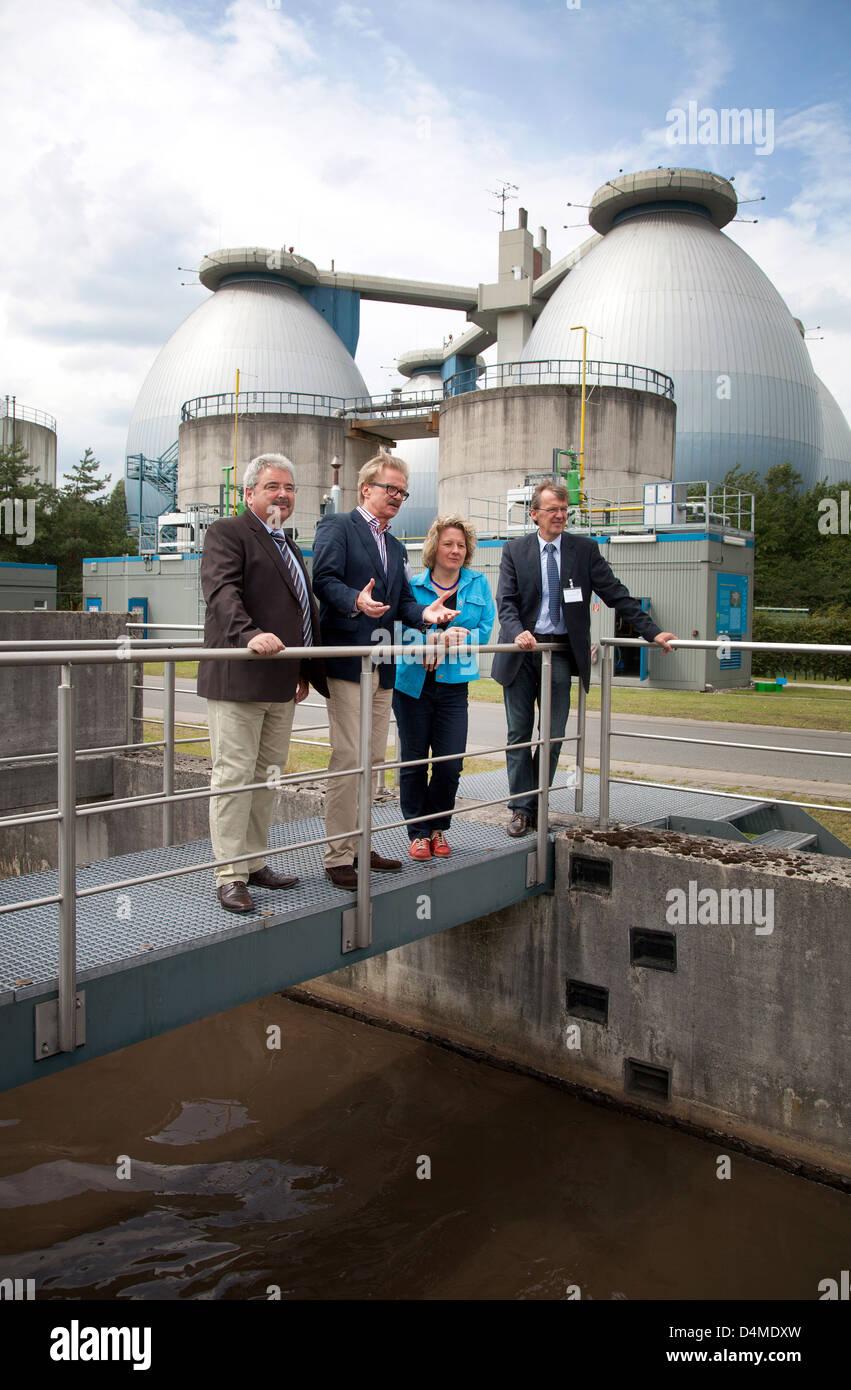 Bottrop, Germany, NRW Science Minister Svenja Schulze (SPD) visited the hydrogen project Emscher sewage treatment - Stock Image