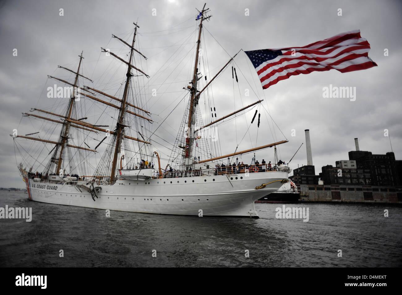 CGC Eagle departs Baltimore's Inner Harbor - Stock Image