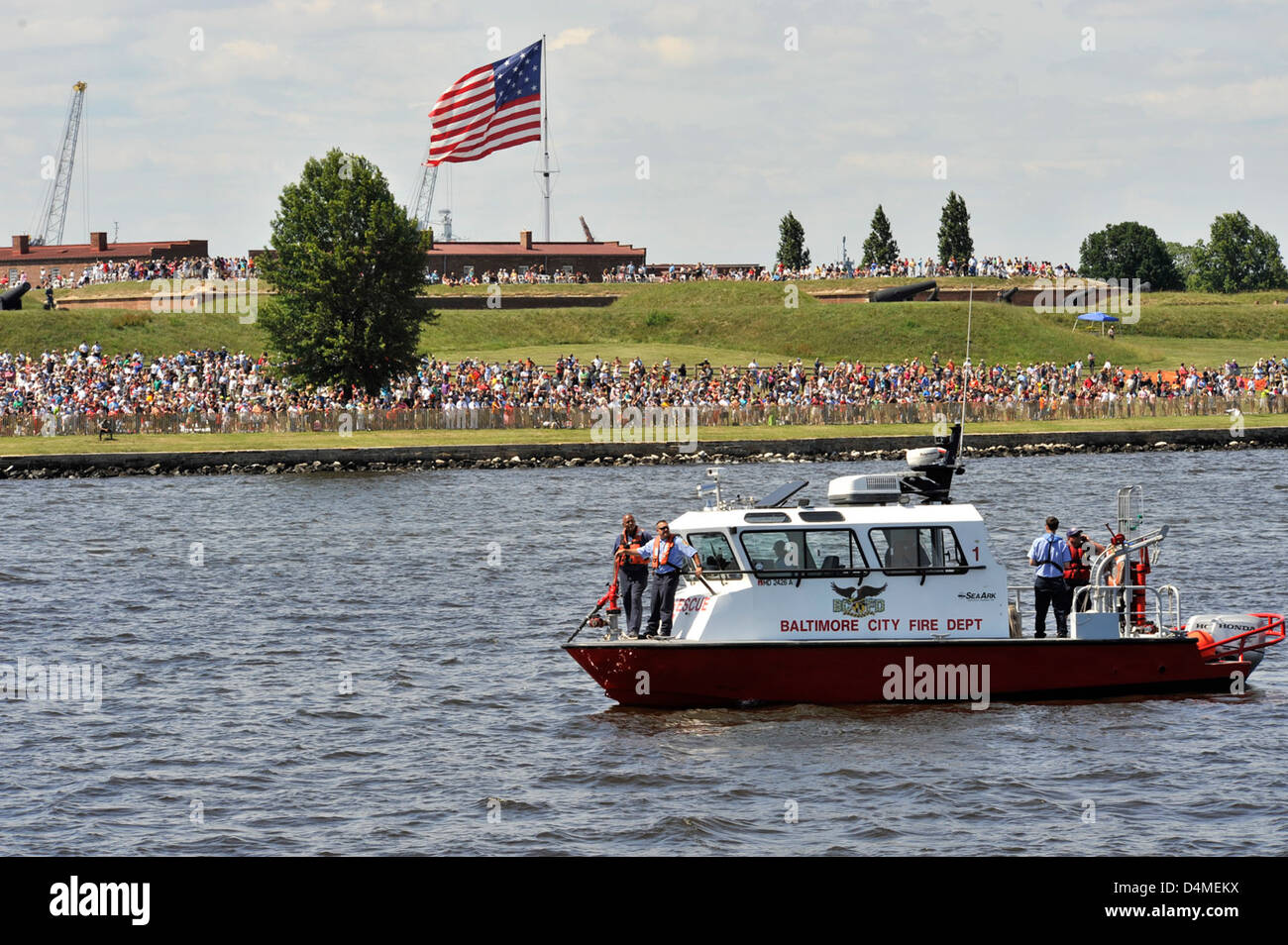 Fire Boat 1 assists safety zone enforcement - Stock Image