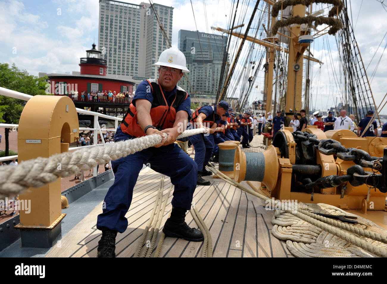 Eagle arrives in Baltimore for OpSail 2012 - Stock Image