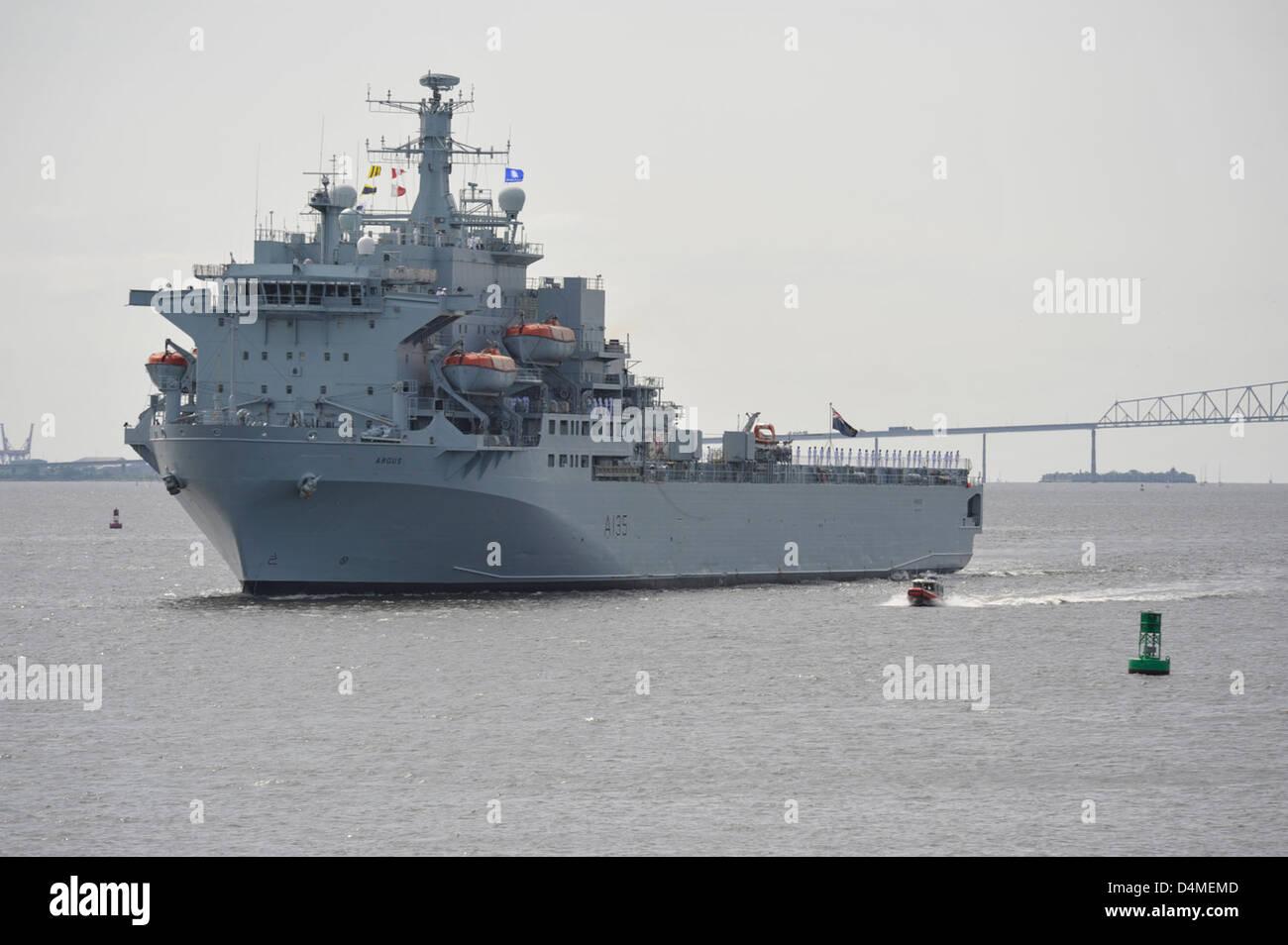 Coast Guard escorts British Naval ship during OpSail 2012 - Stock Image