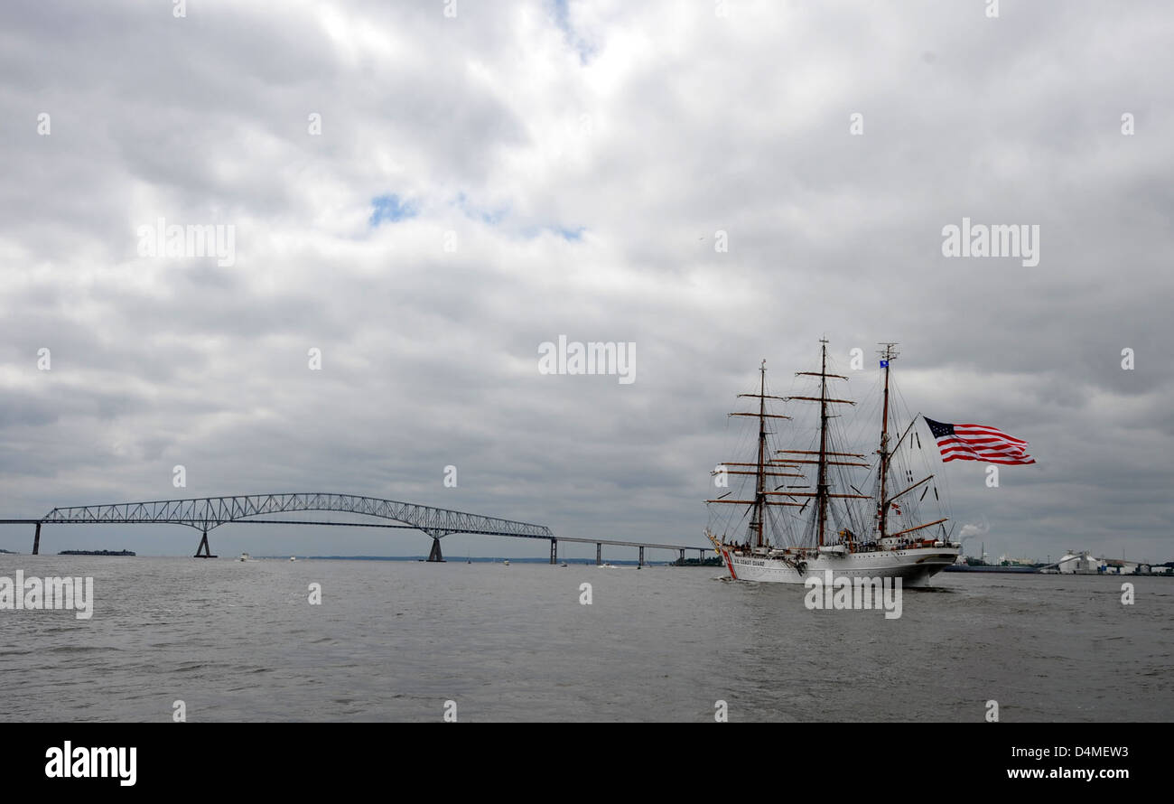 Coast Guard Cutter Eagle departs Baltimore's Inner Harbor - Stock Image