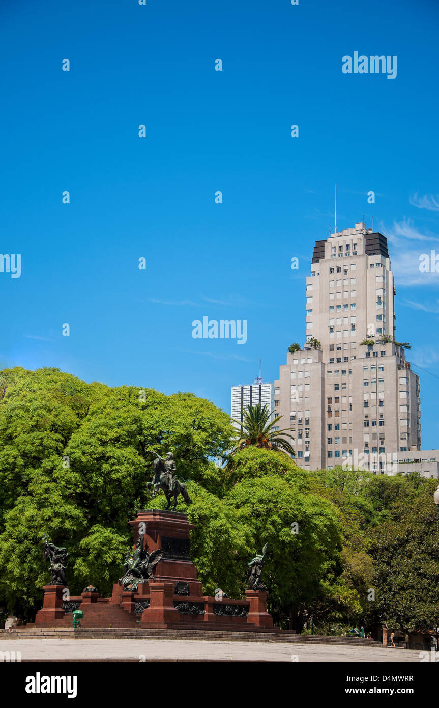 Plaza San Martin in Buenos Aires with a skyscraper rising behind it - Stock Image