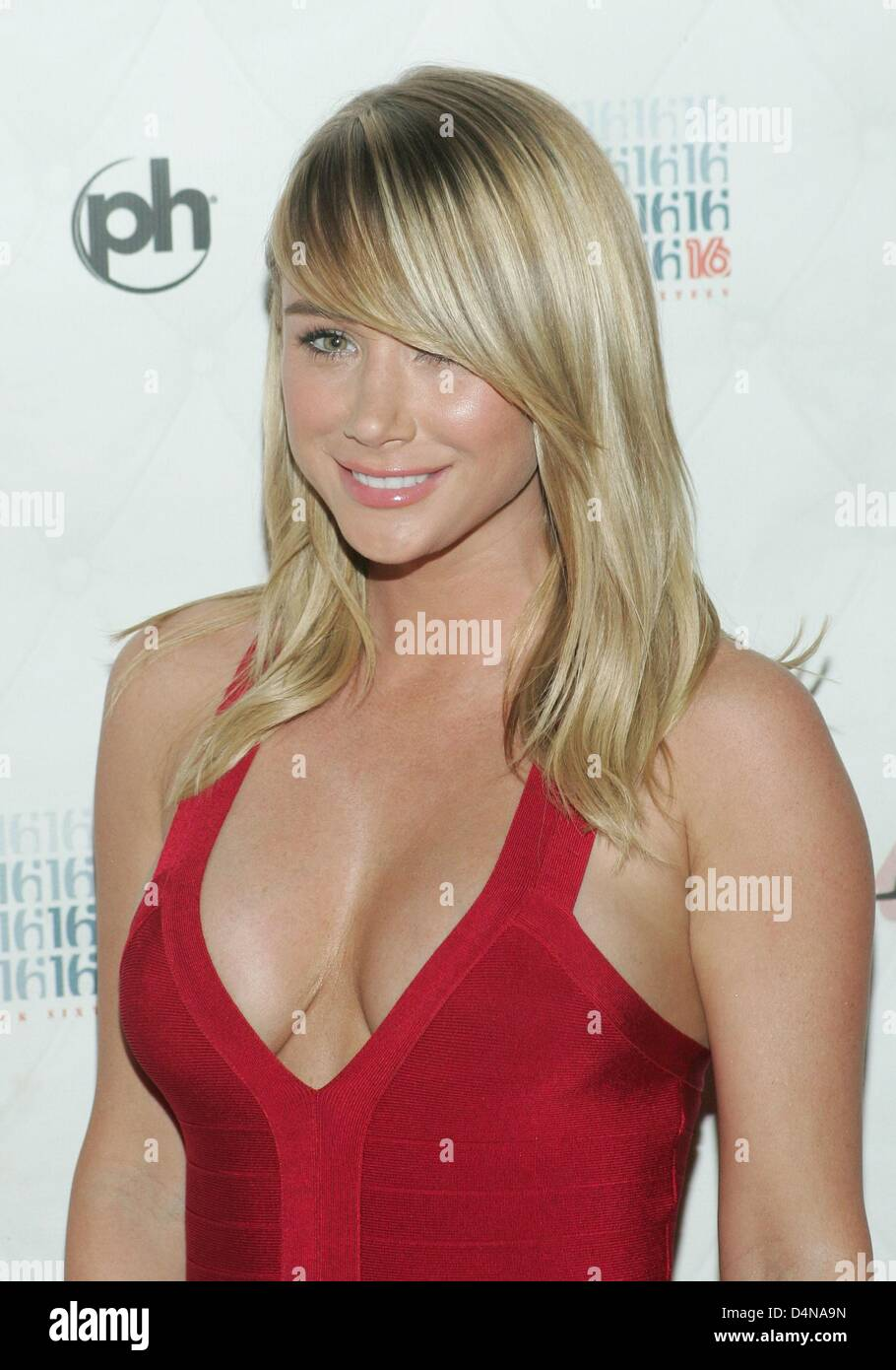Young Sara Jean Underwood nude (43 images), Is a cute