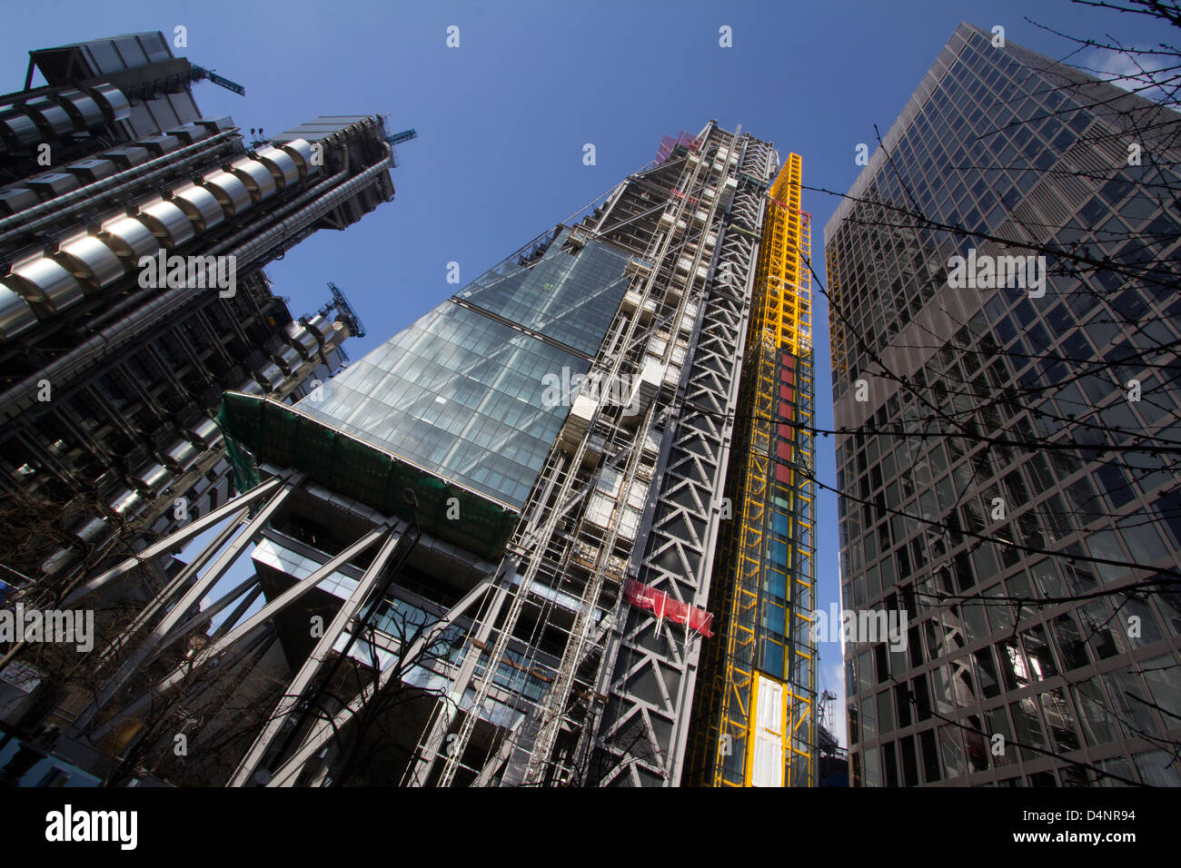 The Leadenhall building (centre) which is to become the Aon centre 122 Leadenhall Street The cheesegrater - Stock Image