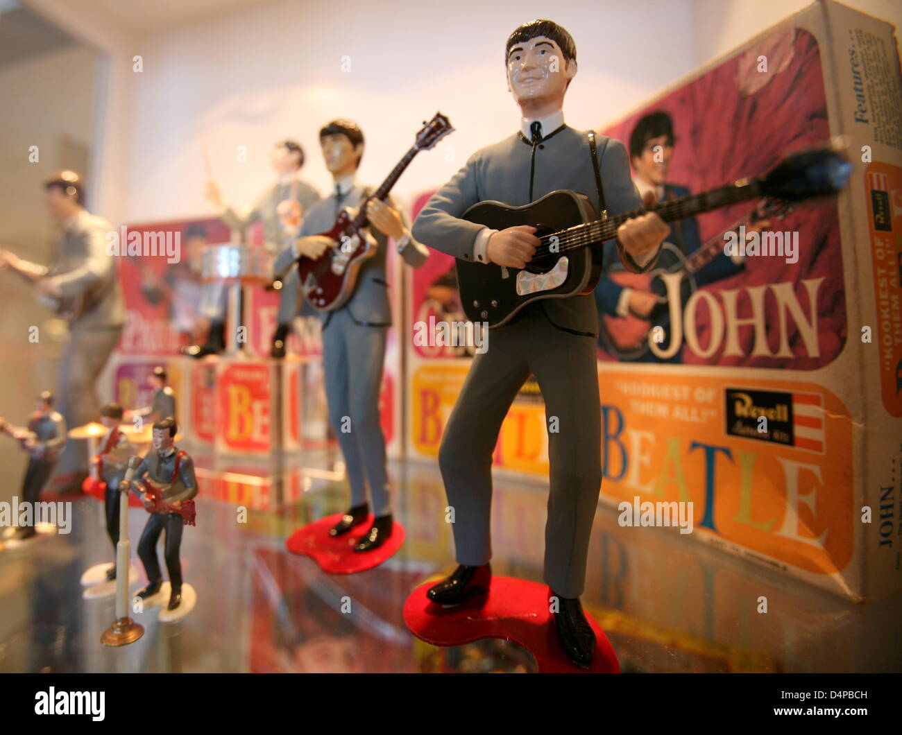 The Beatles as Revell dolls pictured in the exhibition halls of ?Beatlemania? in Hamburg, Germany, 28 May 2009. - Stock Image