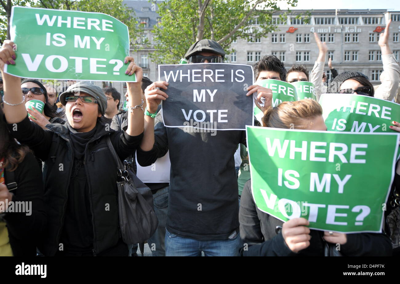 Expatriate Iranians demonstrate against the controversial outcome of the Iranian Presidential elections and the - Stock Image