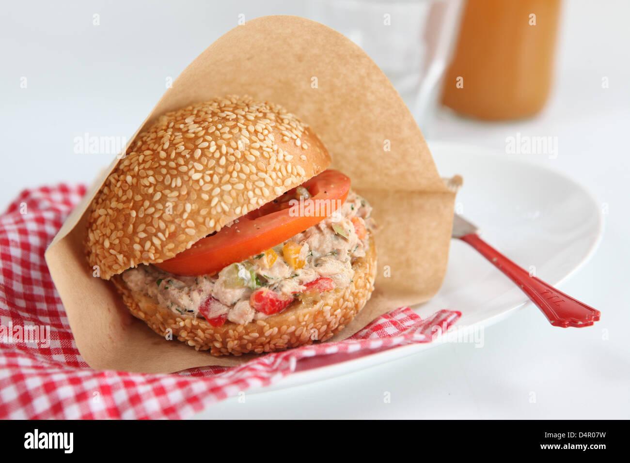 Tuna salad sandwich with tomato - Stock Image