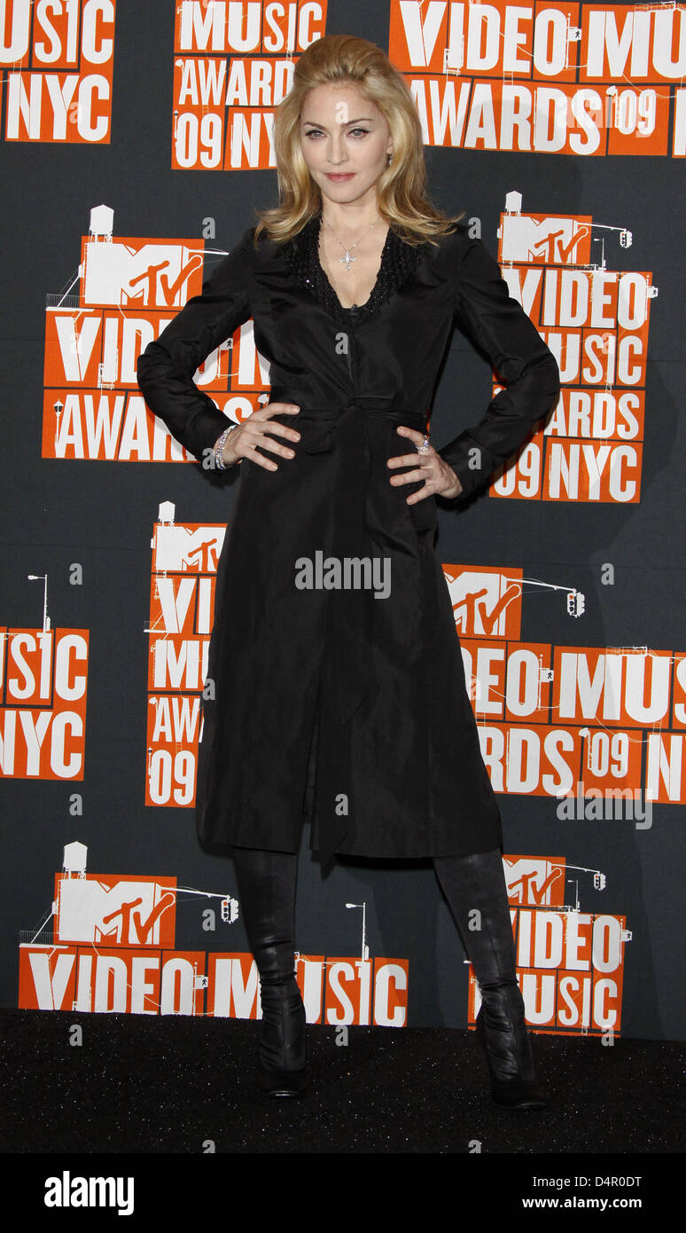Us Singer Madonna Arrives For The Mtv Video Music Awards At Radio Stock Photo Alamy