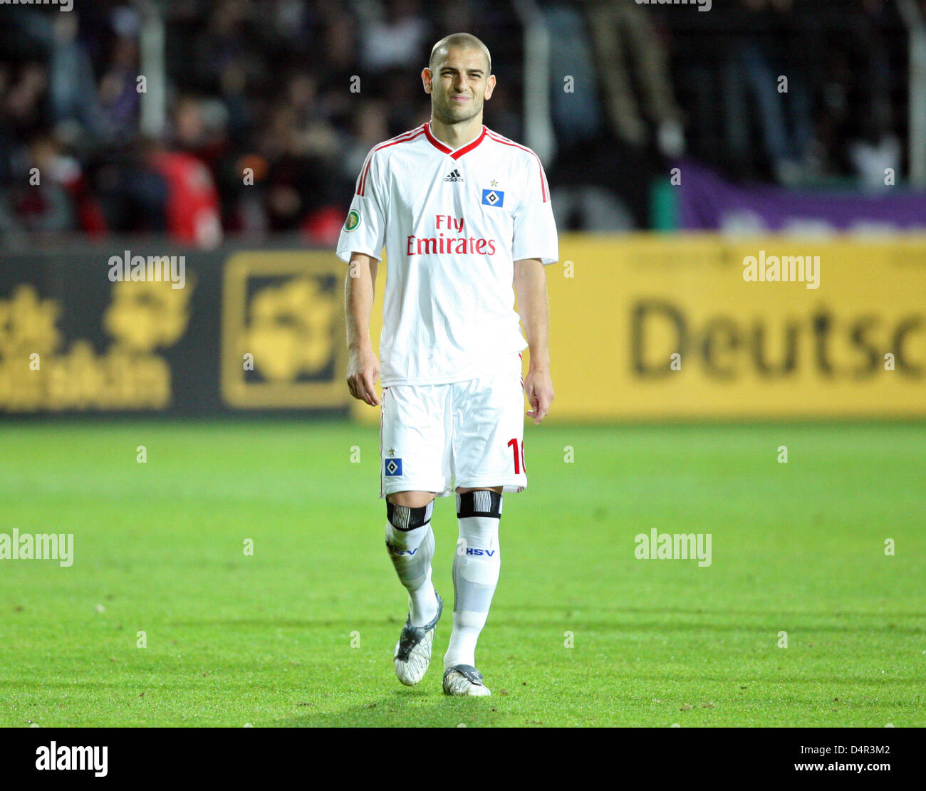 Hamburg?s Mladen Petric is disappointed after the German DFB Cup second round match VfL Osnabrueck vs SV Hamburg - Stock Image