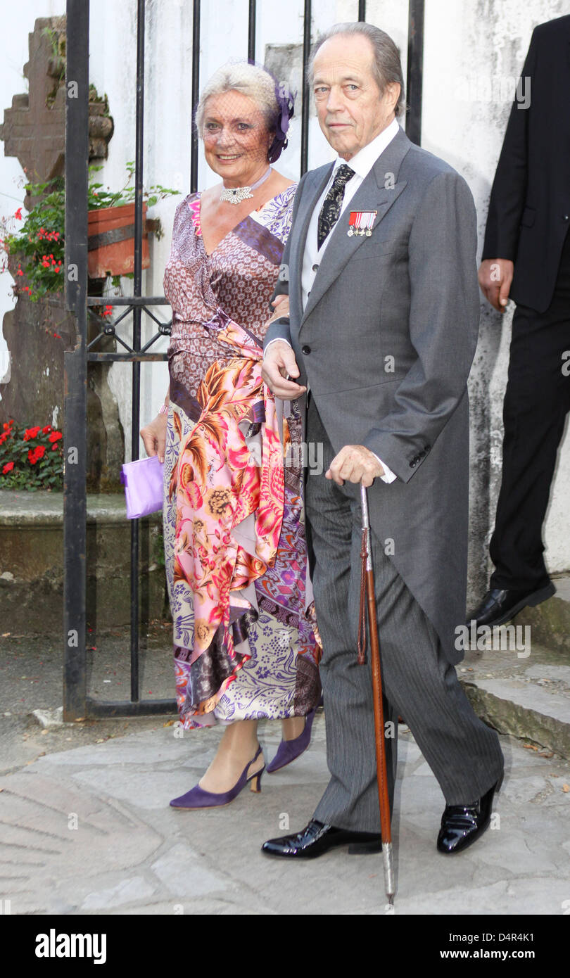 Prince Henri d?Orleans (76) and Spanish Princess Micaela Cousino Quinones de Leon (71) leave the church after their - Stock Image
