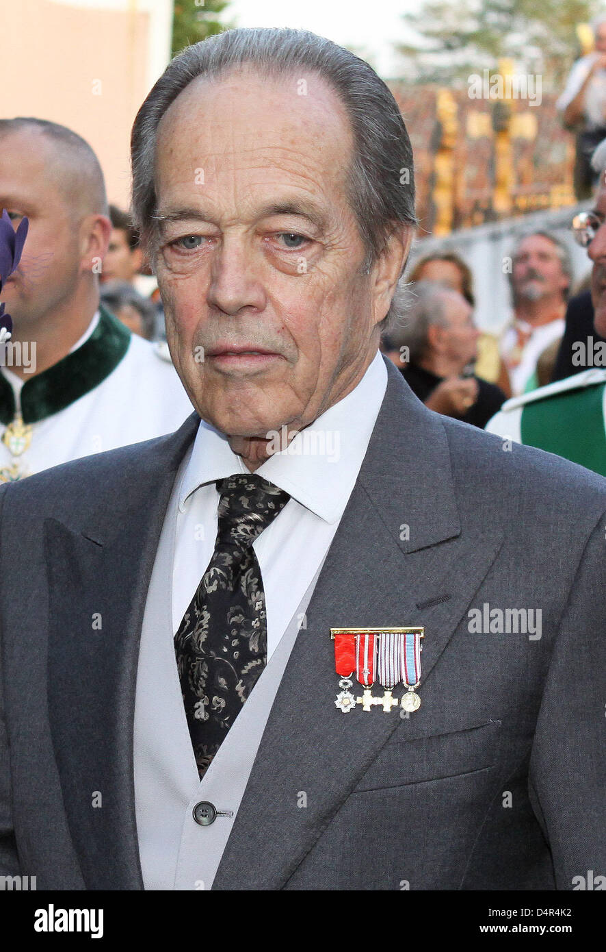Prince Henri d?Orleans (76) after his church wedding in Arcangues near Biarritz in the Basque country, France, 26 - Stock Image
