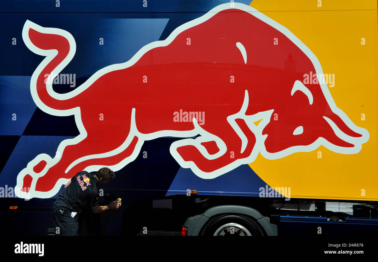 Red Bull F1 Team Truck High Resolution Stock Photography And Images Alamy