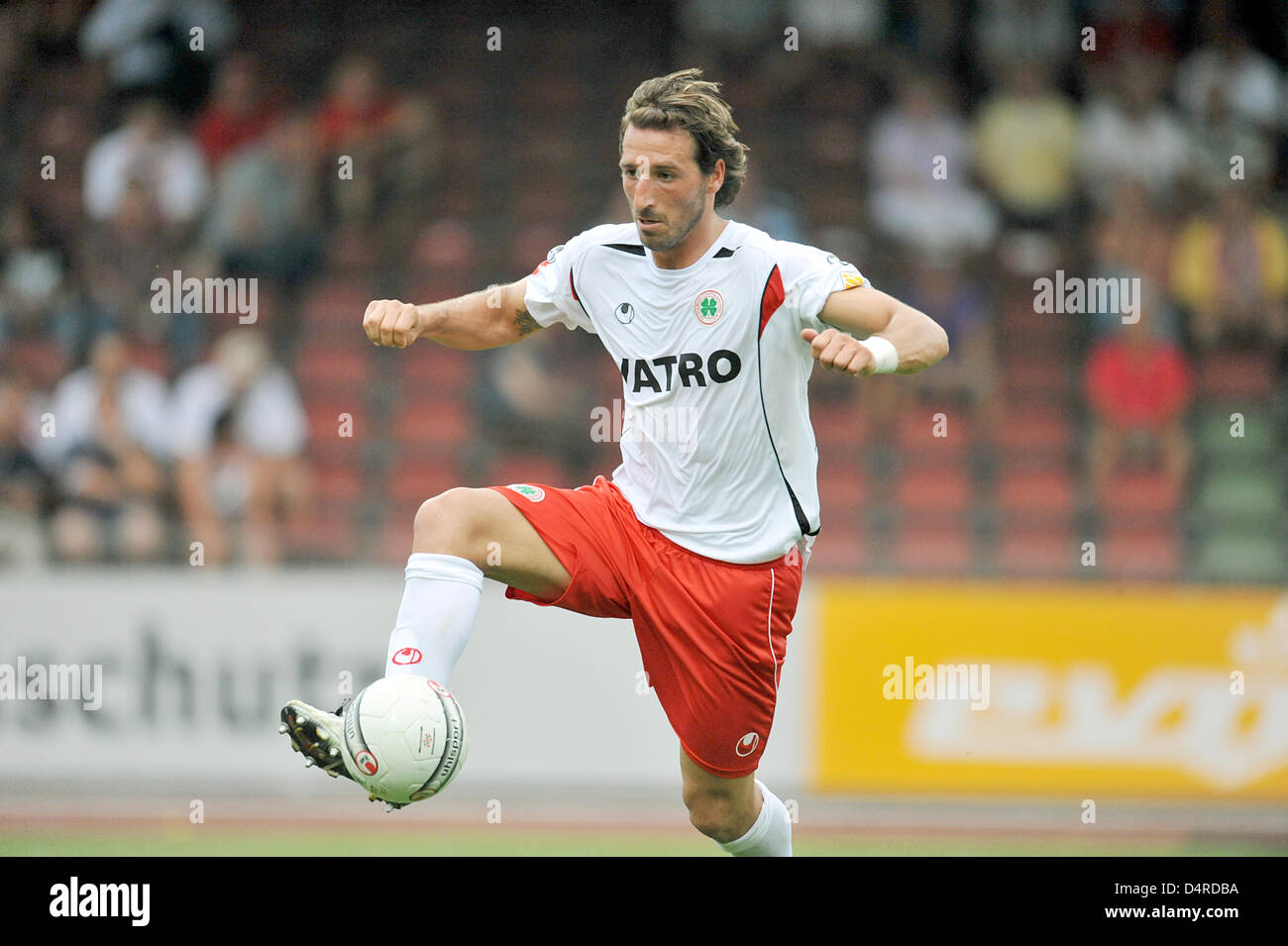 Oberhausen?s Dimitrios Pappas leads the ball during the Bundesliga second division match Rot-Weiss Oberhausen vs - Stock Image