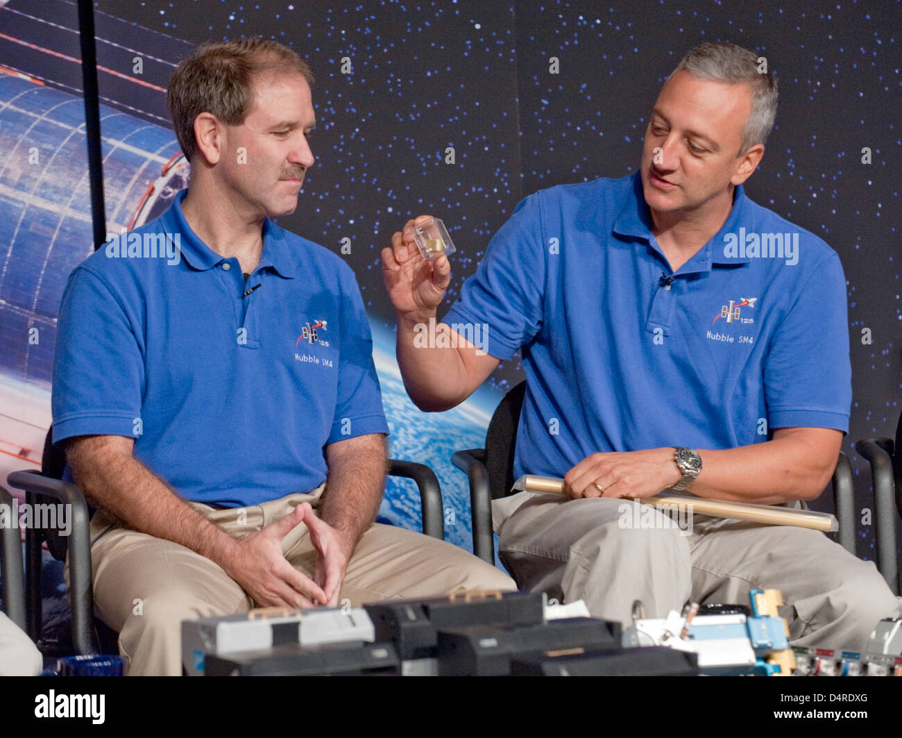 STS-125 Hubble Crew Press Conference (200909090023HQ) - Stock Image