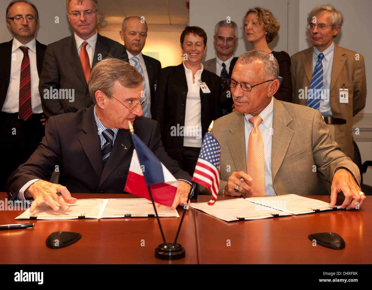 CNES and NASA Agreements Signed (200909170005HQ) - Stock Image