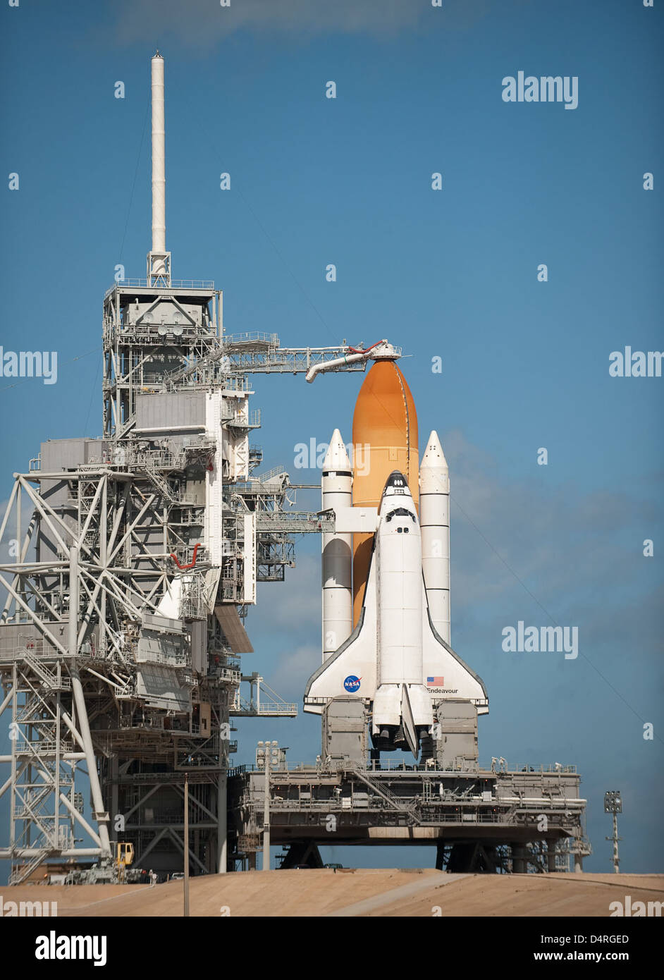Space Shuttle Endeavour on Launch Pad (201002060005HQ) - Stock Image