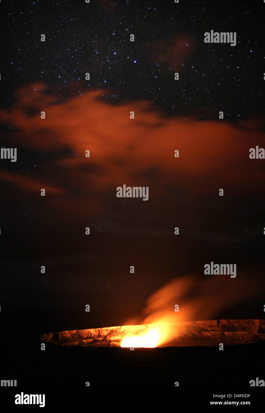 Sulfur dioxide plume shooting from vent Halemaumau crater Mauna Kea Volcanos National Park Hawaii - Stock Image