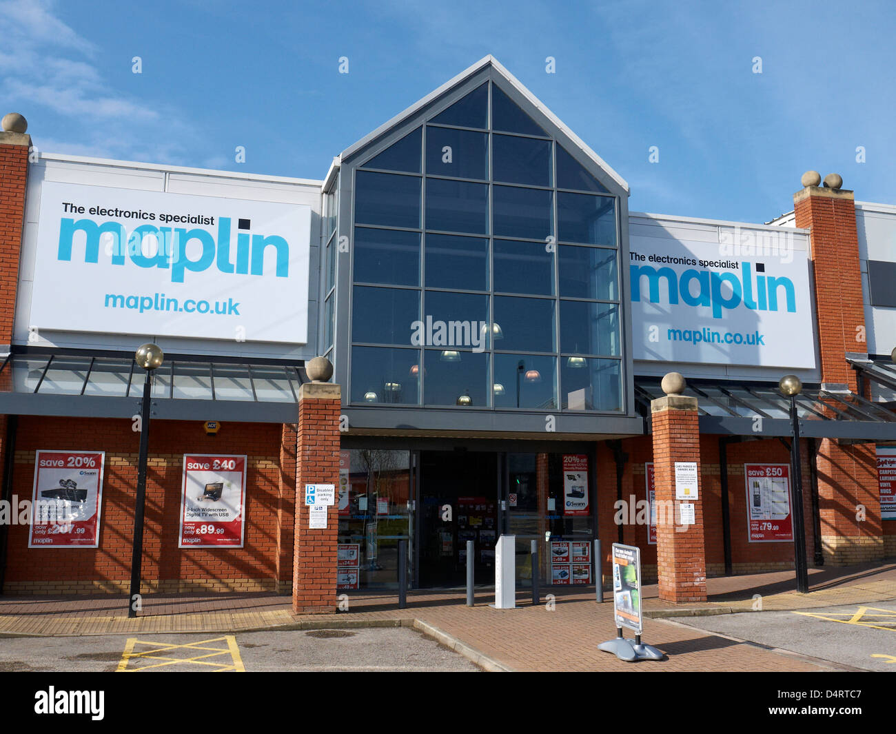 Maplin, The electronic specialist store in Crewe UK - Stock Image
