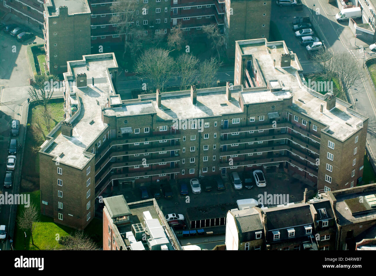 Aerial view of Mermaid Court, an H-shaped 1960's style council housing block in  Southwalk, London - Stock Image