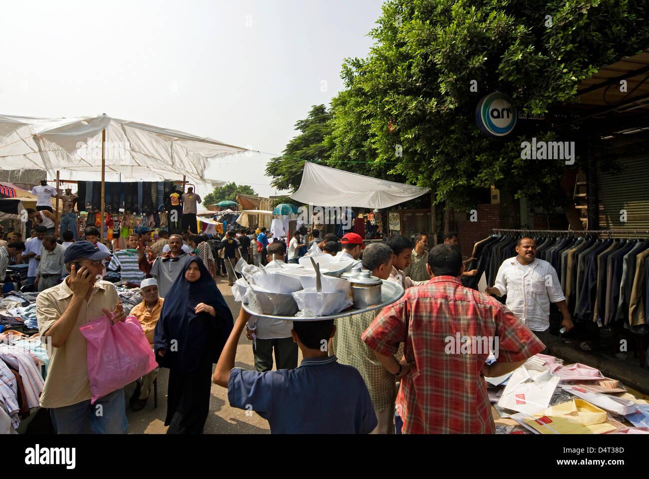 El Saida Ashah Market, City of the Dead Area, Cairo, Egypt. - Stock Image